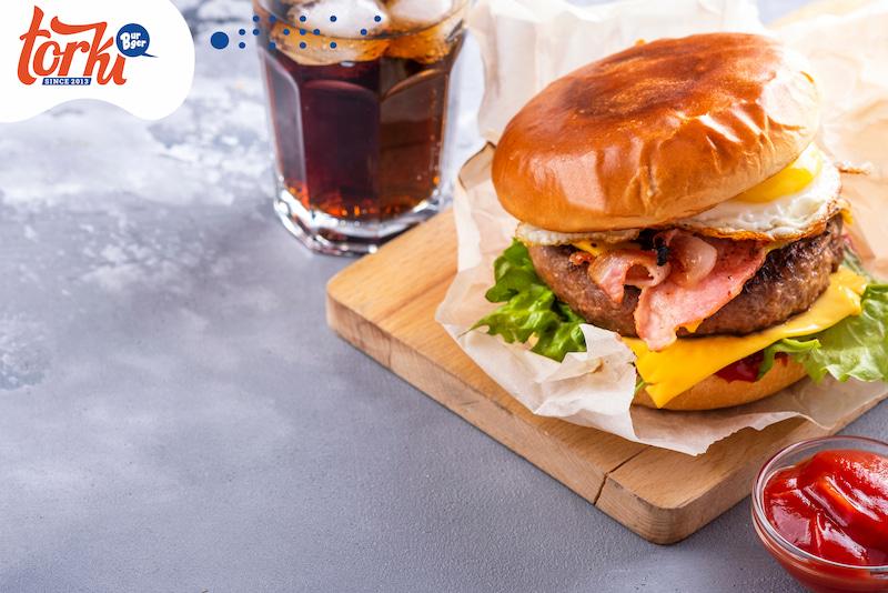 banh-mi-hamburger-duoc-yeu-thich-tai-burger-torki